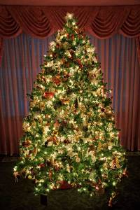 decorated-christmas-tree